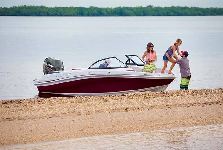 550 TS Outboard Runabout Boat