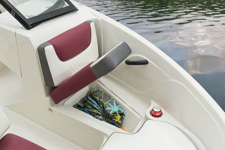 Tahoe 450 TS Outboard Runabout Boat